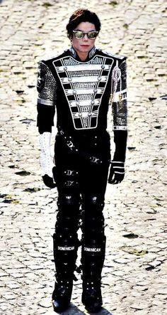 Just standing still - noone is that physical genius than Michael Joseph Jackson. David PX