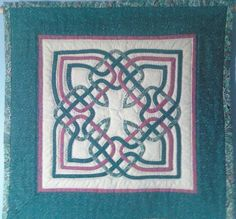 Small Celtic Applique Clover Knot Quilt by JKechCeltic on Etsy, $45.00