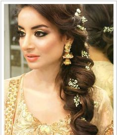 10 Best Indian Wedding Hairstyles for Curly Hair, Bridal Hairstyles, Open Curls Hairstyles, Coiled Curl Hairstyles, Side Curly Ponytail Bridal Hairstyles Pakistani Bridal Makeup Hairstyles, Mehndi Hairstyles, Wedding Hairstyles For Long Hair, Bridal Hair And Makeup, Party Hairstyles, Indian Hairstyles, Bride Hairstyles, Hair Wedding, Bridesmaid Hairstyles