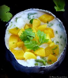 Riz au lait de coco, pêches et coriandre Kiwi, Cantaloupe, Risotto, Muffins, Gluten, Fruit, Desserts, Food, Rice Puddings