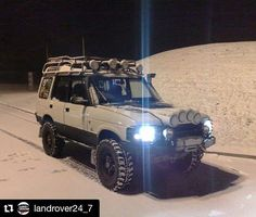 """70 Likes, 3 Comments - Land Rover Discovery Venezuela (@landrover_discovery_ve) on Instagram: """"#Repost @landrover24_7 with @repostapp ・・・ Cheeky Snow Shot #LandRover #LandRoverOffRoad…"""""""