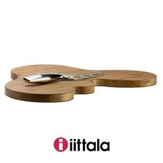 Serve up delectable delights this holiday with a beautifully unique #oak platter designed by #alvaraalto himself. #iittala . . . . . Shop Here: http://ift.tt/2BhIMsO