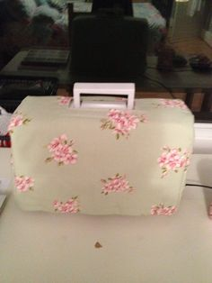 Sewing machine cover looking cosy