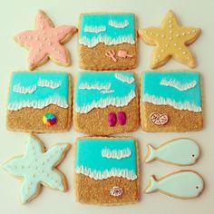Askanam: Making beach themed cookies
