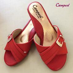 Este é o #Campesí curinga: faz dupla com look de trabalho e com look de sair por aí sendo linda! #conforto #shoes #fashion #vermelho #moda