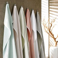 Bring five-star luxury home with the Kassatex Linea Combed Turkish Cotton 6 pc. A sumptuous bath towel set, this one features. Best Bath Towels, Bath Towel Sets, Hand Towels, Bath Table, Striped Towels, Turkish Cotton Towels, Decorative Towels, Bath Sheets, Bath Linens
