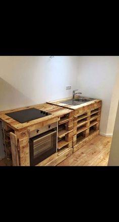 Selfmade diy kitchen pallets kitchen set up kitchen diy wood Coole Kitchen Set Up, Kitchen Design, Kitchen Island, Kitchen Ideas, Armoires Diy, Diy Bedroom Decor, Diy Home Decor, Palette Diy, Wooden Pallet Projects