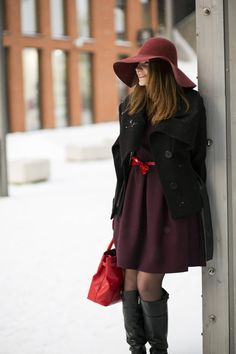 Nataly - Smiling woman at winter day with red purse Red Purses, Winter Day, Beautiful Women, Coat, Jackets, Photograph, Fashion, Down Jackets, Photography