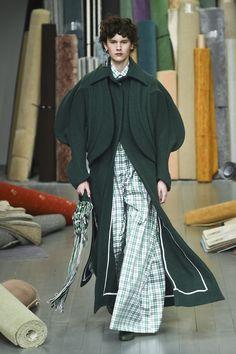 Richard Malone Fall 2018 Ready-to-wear London Collection - Vogue