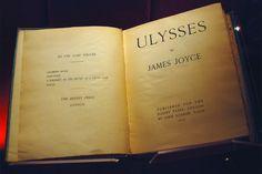 """Ulysses'in bolca kitap okuyanların bildiği bir """"zor okunan roman"""" olma ünü var. Bu ünün haklı sebepleri var - http://horozz.net/ulyssesi-neden-okumaliyiz.html"""