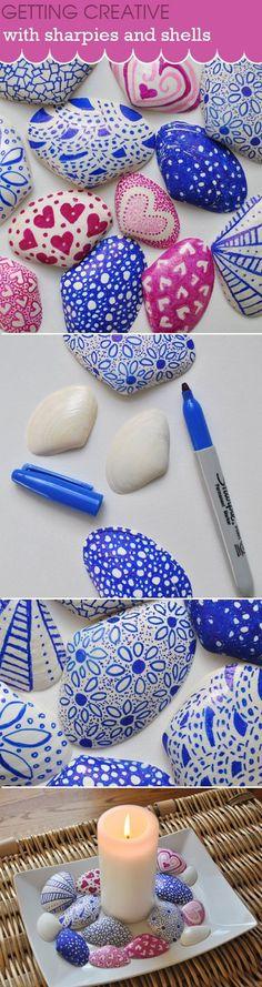 Centro con conchas pintadas con rotulador