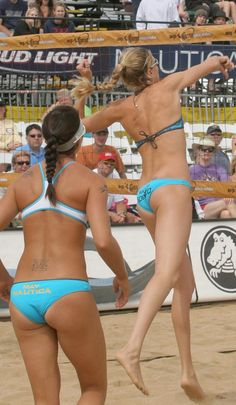The girls of beach volleyball showing their butts Beach volleyball butts at their best Misty May has one of the most famous butts in beach. Volleyball Pictures, Beach Volleyball, Sports Women, Girl Pictures, Bikinis, Swimwear, Athlete, Sexy, Fitness