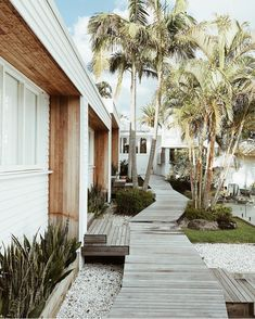 Where the influencers eat, sleep and shop in Byron Bay | Husskie