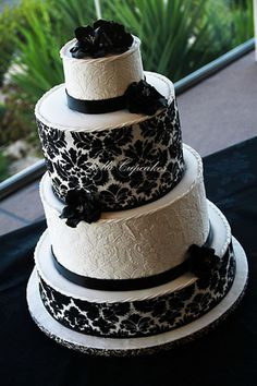 black and wite demask wedding cake