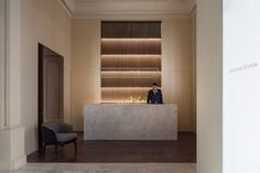 Image 11 of 27 from gallery of Hotel Mercer at Mansion Castelar / Cruz y Ortiz Arquitectos. Photograph by Manolo Espaliú Hotel Mercer, Interior Design Living Room, Living Room Designs, Casa Hotel, Hotel Reception, Reception Desks, Rest Area, Lobby Lounge, Small Pools