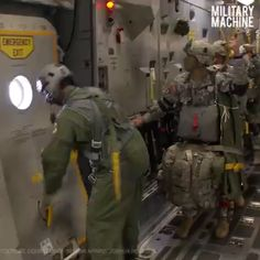Military Women, Military Police, Military Weapons, Usmc, Military Aircraft, Airborne Army, Ranger School, C 17 Globemaster Iii, Us Army Rangers