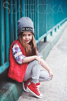 Hi Mom - cute girl! Cute Little Girls Outfits, Toddler Girl Outfits, Pretty Outfits, Kids Outfits, Tomboy Kids, Tomboy Outfits, Child Models, Look Chic, Fashion Kids