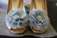 Shoe clips made from vintage earrings and silk chiffon. Brilliant!