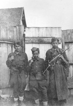 Young german volksturm soldiers (1945)