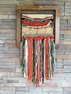 Made in Chile with natural wool, wood and driftwood from Lago Puyehue. It takes me 3 weeks to do it and three more weeks the delivery. Weaving Textiles, Weaving Art, Tapestry Weaving, Loom Weaving, Hand Weaving, Weaving Wall Hanging, Wall Hangings, Braided Rag Rugs, Weaving Projects