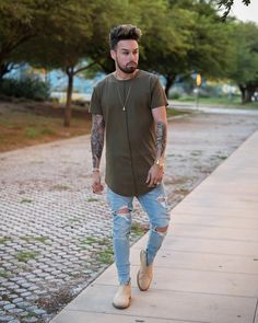 """2,116 mentions J'aime, 195 commentaires - Roland Michaud (@rolandmichaud) sur Instagram : """" Olive Feels Full outfit Jeans & Shirt by @deception.toronto follow and check out this dope…"""""""