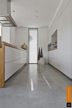 Polished Concrete Tiles, Concrete Floors, Small White Kitchens, Black Kitchens, Kitchen Spice Racks, Concrete Kitchen, Living Room Inspiration, Interior Architecture, Decoration