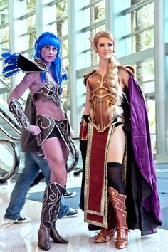Amazing Night Elf and Blood Elf costumes from World of Warcraft!