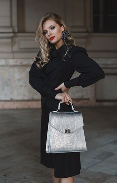 #orovicafashion #blackoutfit #outfitforoffice Black Culottes, Timeless Fashion, Dior, Womens Fashion, Bags, Outfits, Design, Handbags, Suits