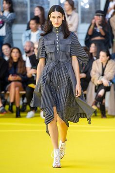 Victoria/Tomas Spring 2019 Ready-to-Wear Fashion Show Collection: See the complete Victoria/Tomas Spring 2019 Ready-to-Wear collection. Look 6 Daily Fashion, Fashion Week 2018, Summer Fashion Trends, Vintage Crochet Dresses, Women's Runway Fashion, Fashion Women, Dress Picture, Fashion Show Collection, Victoria