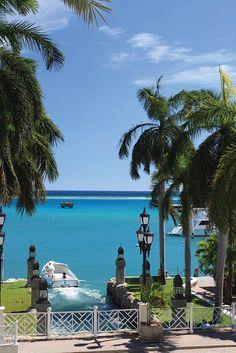 Renaissance Resort's courtesy beach shuttle