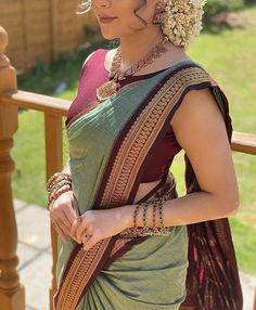 Cotton Saree Blouse Designs, Half Saree Designs, Fancy Blouse Designs, Indian Blouse Designs, Sari Blouse, Indian Fashion Dresses, Indian Outfits, Ethnic Fashion, Stylish Sarees