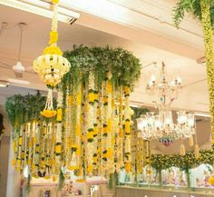 17 Ideas for wedding decorations hanging ceilings flower chandelier Marriage Decoration, Home Wedding Decorations, Stage Decorations, Flower Decorations, Housewarming Decorations, Mehndi Decor, Mehendi, Wedding Planners In Mumbai, Traditional Wedding Decor