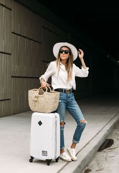 Casual Spring Women Outfits For Airport Style 17 White Espadrilles, Espadrille Sneakers, Sneaker Outfits, Jean Outfits, Casual Outfits, Fashion Outfits, Travel Outfits, Night Outfits, Sneakers Fashion