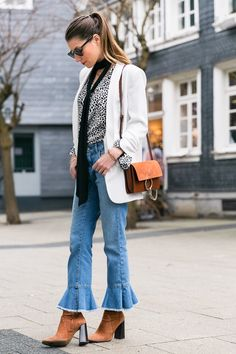 Outfit :: White Blazer, cropped Zara jeans with volant & Chloé Faye small
