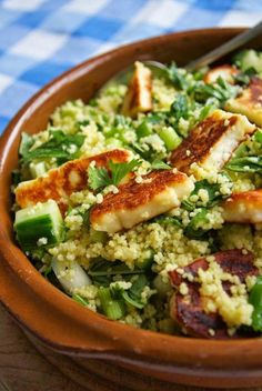 Herby cous cous with halloumi – Gesundes Abendessen, Vegetarische Rezepte, Vegane Desserts, Veggie Dishes, Veggie Recipes, Cooking Recipes, Healthy Recipes, Dinner Recipes, Cooking Kale, Cooking Steak, Tasty Dishes, Vegetarian Recipes