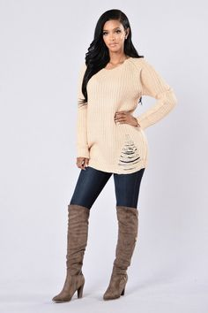 - Available in Taupe and Light Grey - Scoop Neckline - Oversized - Distressed - Knitted - 55 %Cotton, 45% Polyester