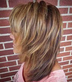 Forward-Swept Straight Shag I want these colors and I wish my hair would STAY swept forward. Medium Layered Haircuts, Medium Hair Cuts, Short Hair Cuts, Medium Hair Styles, Short Hair Styles, Medium Textured Hair, Razor Cut Hair, Thin Hair Haircuts, Long Bob Hairstyles