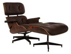 Kreslo Charles E. Lounge chair + ottoman Kreslo má tmavú podstavu. Kreslo si môže každý navoliť podľa svojich predstáv. Charles E. si dal pri tvorbe