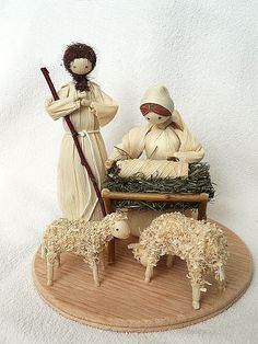 Christmas Manger, Frugal Christmas, Christmas Nativity Scene, Christmas Crafts For Kids, Fall Crafts, Christmas Fun, Christmas Ornaments, Nativity Scenes, Corn Husk Crafts