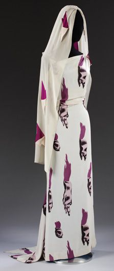 Dress by Elsa Schiaparelli and Salvador Dali. Schiaparelli was a designer whose work was best known in the and often worked with surrealist painter Salvador Dali. Elsa Schiaparelli, 1930s Fashion, Look Fashion, Vintage Fashion, Paris Couture, Vintage Dresses, Vintage Outfits, Vintage Clothing, Game Costumes