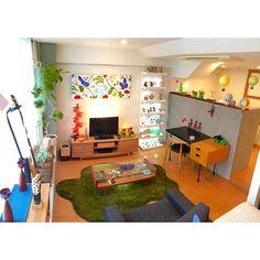 男性で、1Kのコンクリート打ちっ放し/キセログラフィカ/テレビ台/ファブリックパネル/チェスト…などについてのインテリア実例を紹介。「壁・床の一部にコンクリートが使われています。 全面打ちっ放しの部屋にも住んでみたい(ง •̀_•́)ง」(この写真は 2015-03-24 17:00:12 に共有されました)