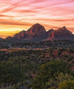 The overlook within Sedona, Arizona's red rocks. Let's hike!