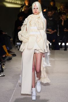 Comme des Garçons Spring 2013 Ready-to-Wear Fashion Show - Alexis Meffert (ANGELS & DEMONS)