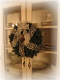 Joulu Halloween, Christmas, Home Decor, Yule, Homemade Home Decor, Xmas, Decoration Home, Room Decor, Christmas Music