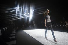 A model does a practice run before the Monique Lhuillier Spring/Summer 2015 runway show during New York Fashion Week in the Manhattan borough of New York September 5, 2014. REUTERS/Carlo Allegri