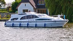Sovereign Light Elite Cruiser Sleeps 4 + 2  http://herbertwoods.co.uks/sovereign-light