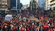 Lisboa, 15/5/2016 - O SL Benfica sagrou-se (tri)campeão nacional de futebol da época 2015/16. Adeptos juntaram-se no Marquês de Pombal para festejar o 35º título do clube.