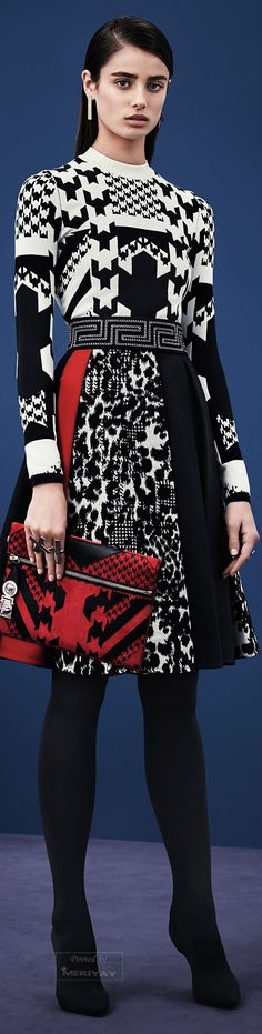 Versace Pre-Fall 2015 // Follow-me @mcm_blog --- meninacharmemoda.blogspot.com.br