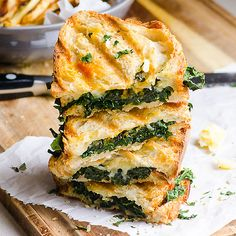 Parmesan Kale Grilled Cheese Ingredients: 2 Dinosaur (lacinato) kale leaves, ribs removed & chopped 2 slices bread (preferably organic whole wheat) 1 oz Parmesan cheese, sliced 1 oz any other melting cheese, sliced 1/4 tsp garlic powder 1 tbsp hemp seeds, shelled