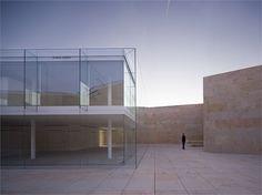 The offices of the Junta of Castilla León: Campo Baeza's Hortus Conclusus